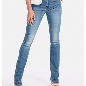 EXPRESS Mid Rise Barely Boot Jeans 16T